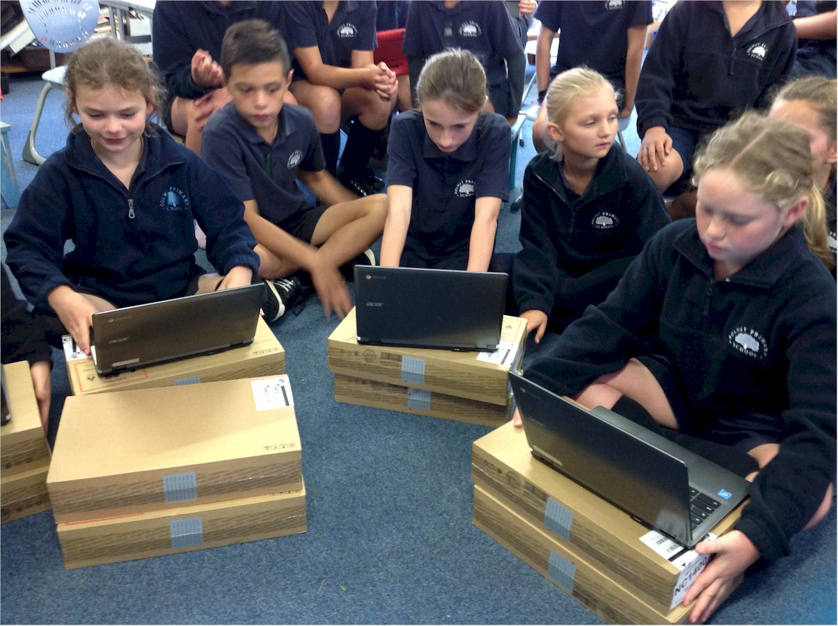Year 5/6 students at Solway School with their new Chromebooks. Photo credit: Year 5/6 Kauri Class